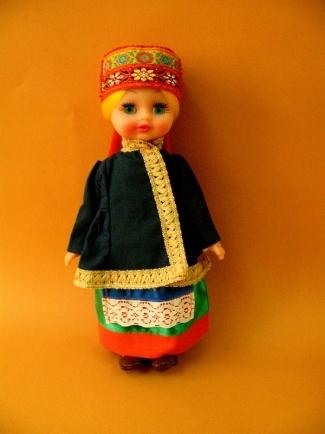 Полина в русском костюме (на заказ)